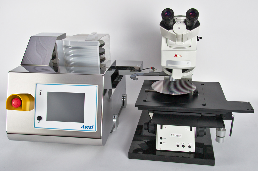 Wafer loader for inspection microscope